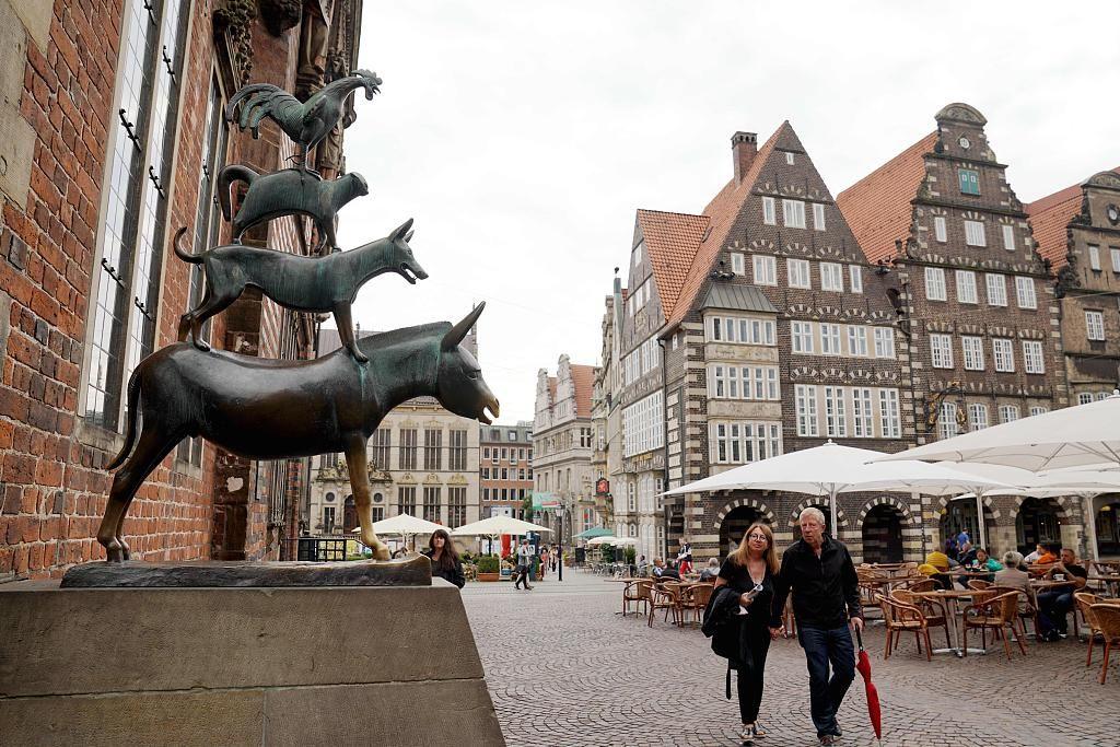 《格林童话》中的小城,有咖啡、雕塑和宇宙博物馆