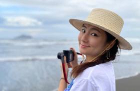 Selina海边拍写真