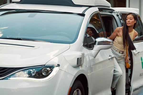 Waymo将在疫情期间继续测试自动驾驶技术 搭乘服务被暂停