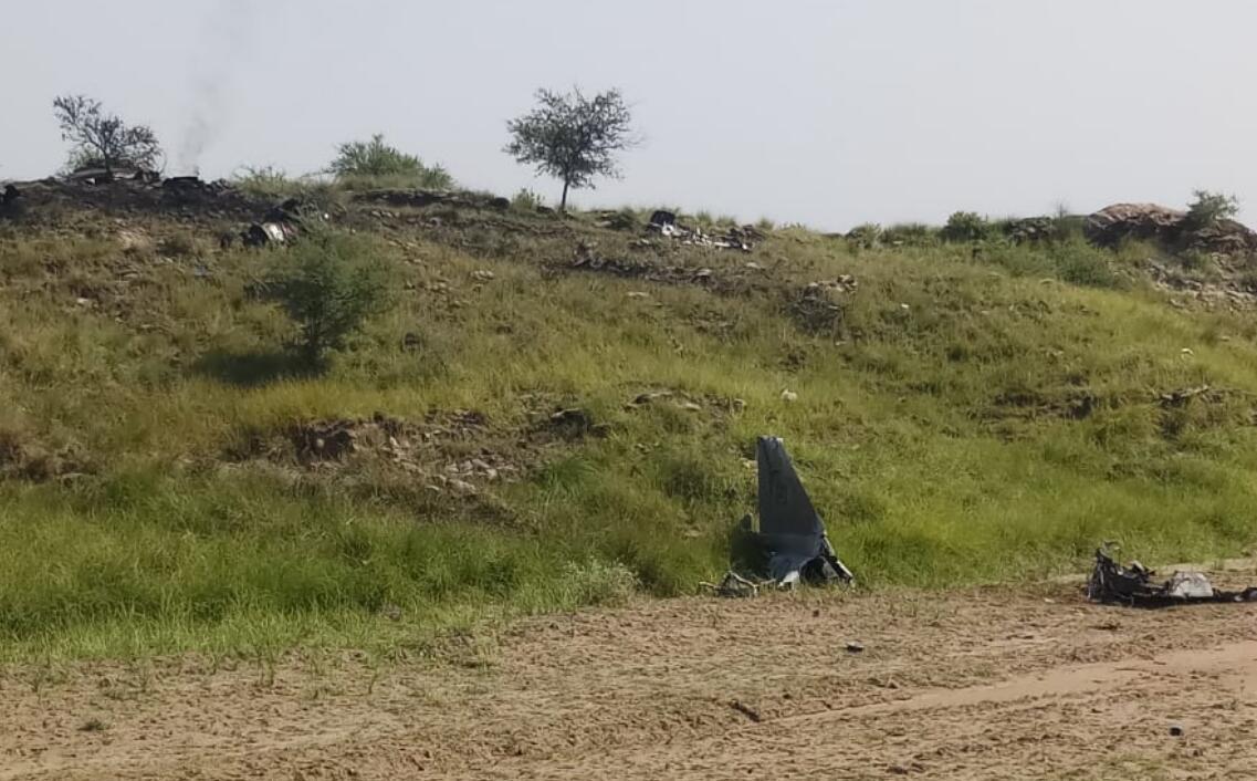 巴基斯坦空军一架战机坠毁飞行员成功弹射逃生