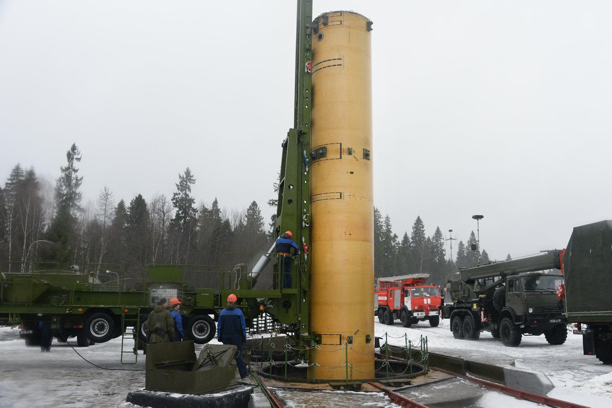 俄军公开反导拦截弹装填画面披露反导作战反应时间