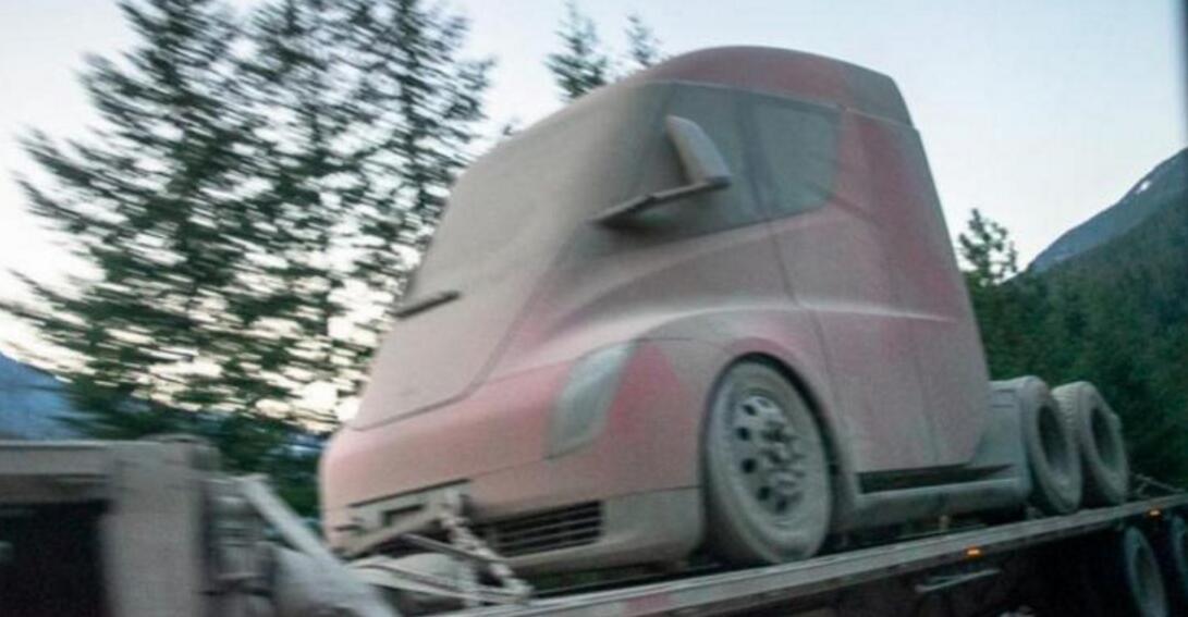 特斯拉Semi车头现身加州街头疑似完成冬测回厂