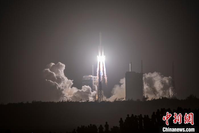 """四型火箭、六次发射 长征火箭助""""嫦娥""""九天揽月"""