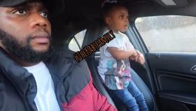 天赋惊人!英三岁女孩缠着父亲在车里唱歌老爸表示唱不过孩子