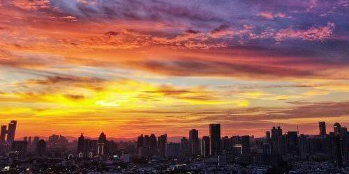 美得不像话!南京天空现绝美晚霞