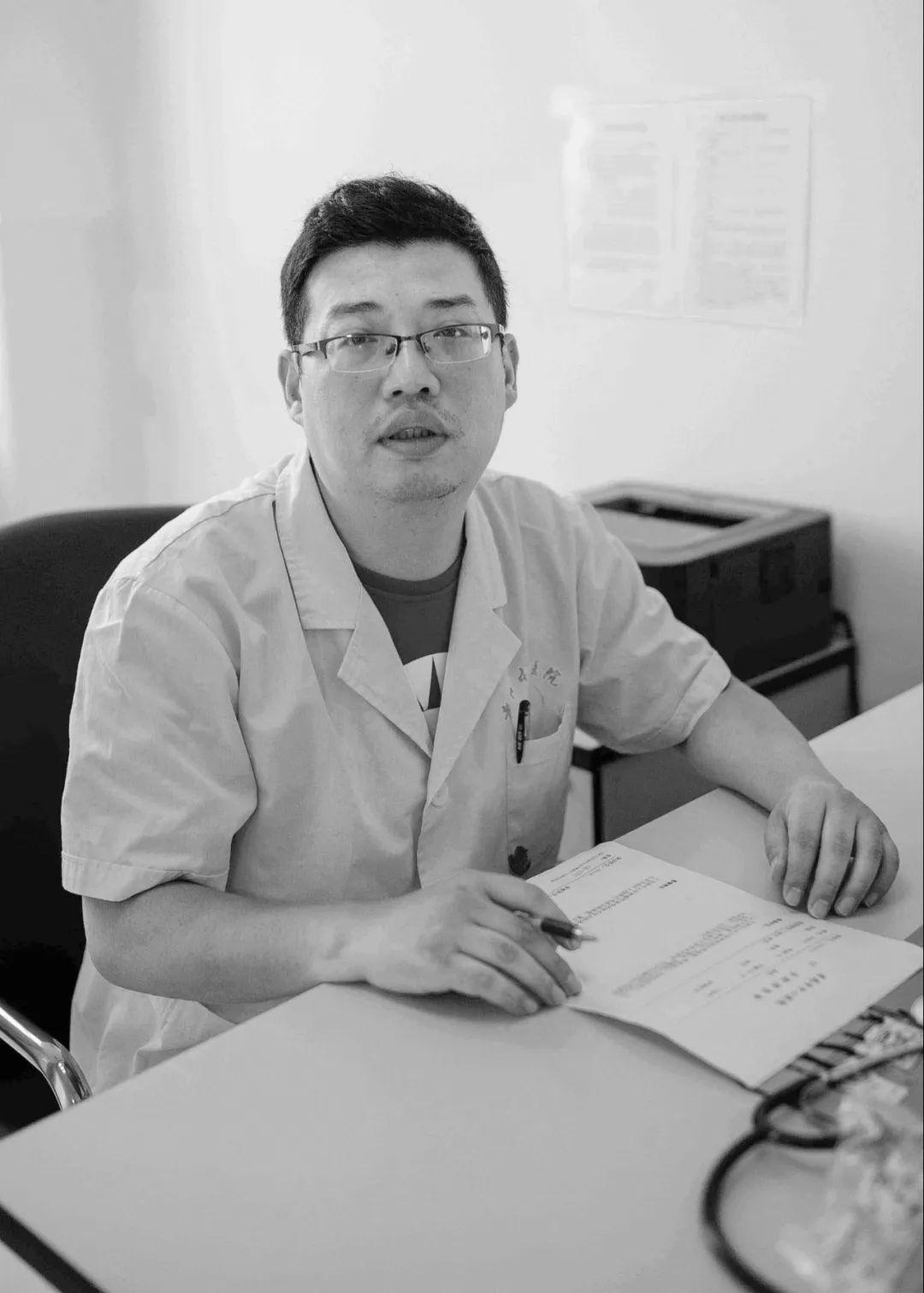 孝感医生黄文军生前的朋友圈:有咖啡、有猫、有冬日暖阳