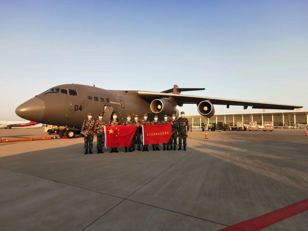 中国人民解放军向三国军队援助抗疫医疗物资并派遣专家组