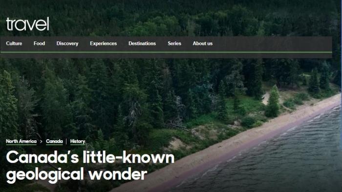 形成特殊的美景:加拿大神秘湖泊现紫色海滩或为矿物沉积