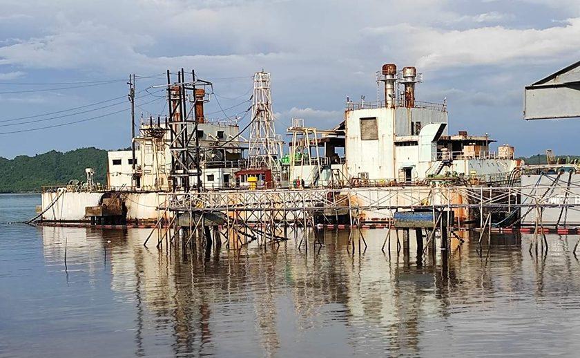 菲律宾一艘发电船爆炸 致4万升燃油泄漏