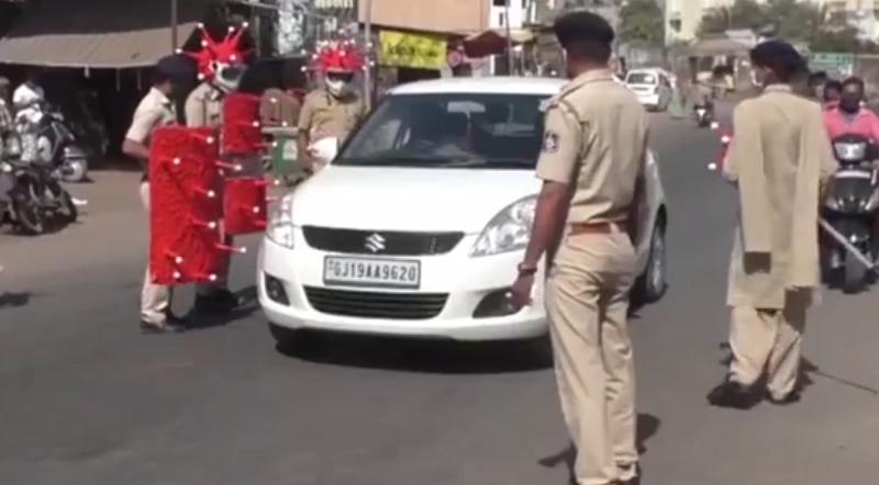 """欧洲警察跳""""街舞"""" 印度""""大象""""戴口罩……这些防疫招数都很拼!"""