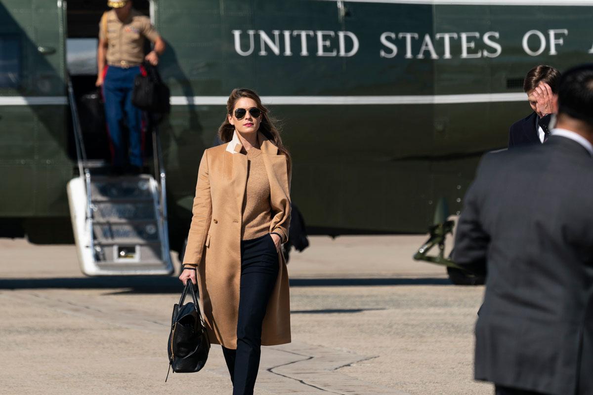 美媒:特朗普女助手在大选首场争执时或已携带新冠病毒 第1张