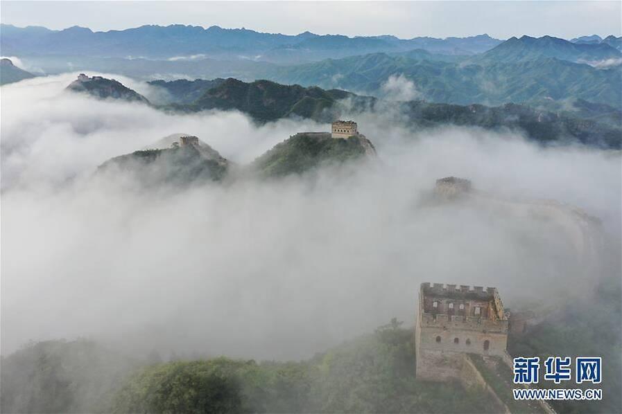 金山岭长城 云山雾绕