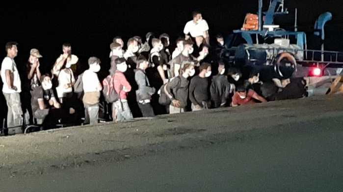 allbet gaming开户:意大利吸收并隔离115名非法移民 第1张
