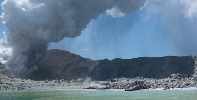 新西兰火山爆发已致5人死亡,失踪和受伤42人中有中国公民