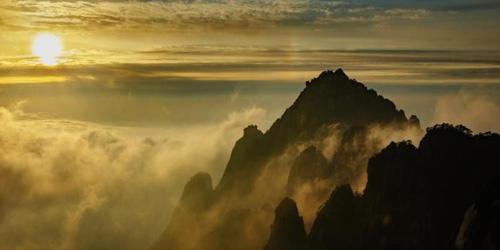 黄山冬韵景观:云海、冰挂入画来