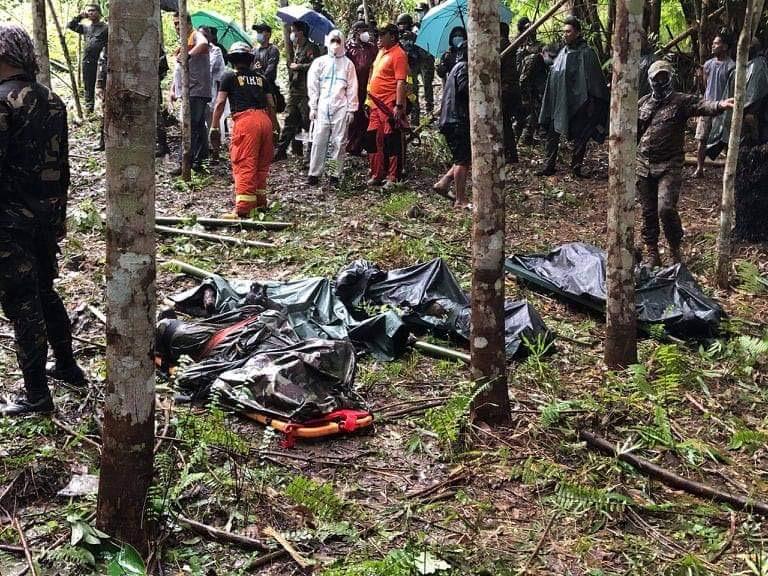 菲律宾南部一架直升飞机坠毁 4名武士殒命 第1张