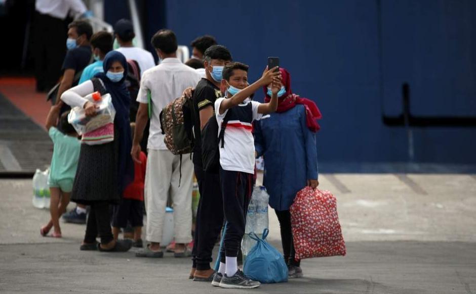 希腊向大陆地区转移700名滞留海岛灾黎 第1张