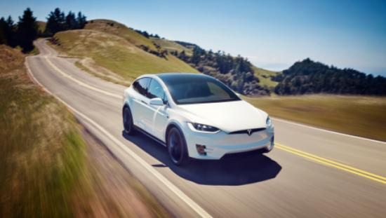 特斯拉报告:自动驾驶每453万英里1起事故 明显改善