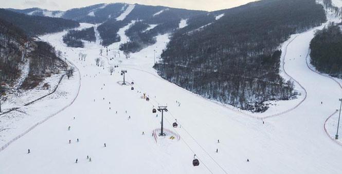吉林:冰天雪地享雪趣