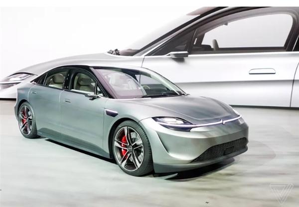 索尼发布会的压轴产品放在了一款名为Vision-S的电动自动驾驶轿车上