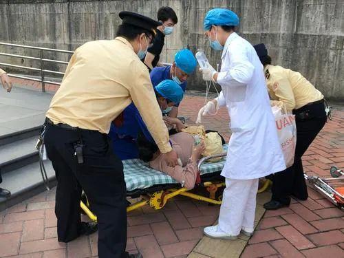 惊魂26分钟:广州地铁站里,她的宝宝抢闸出生了!