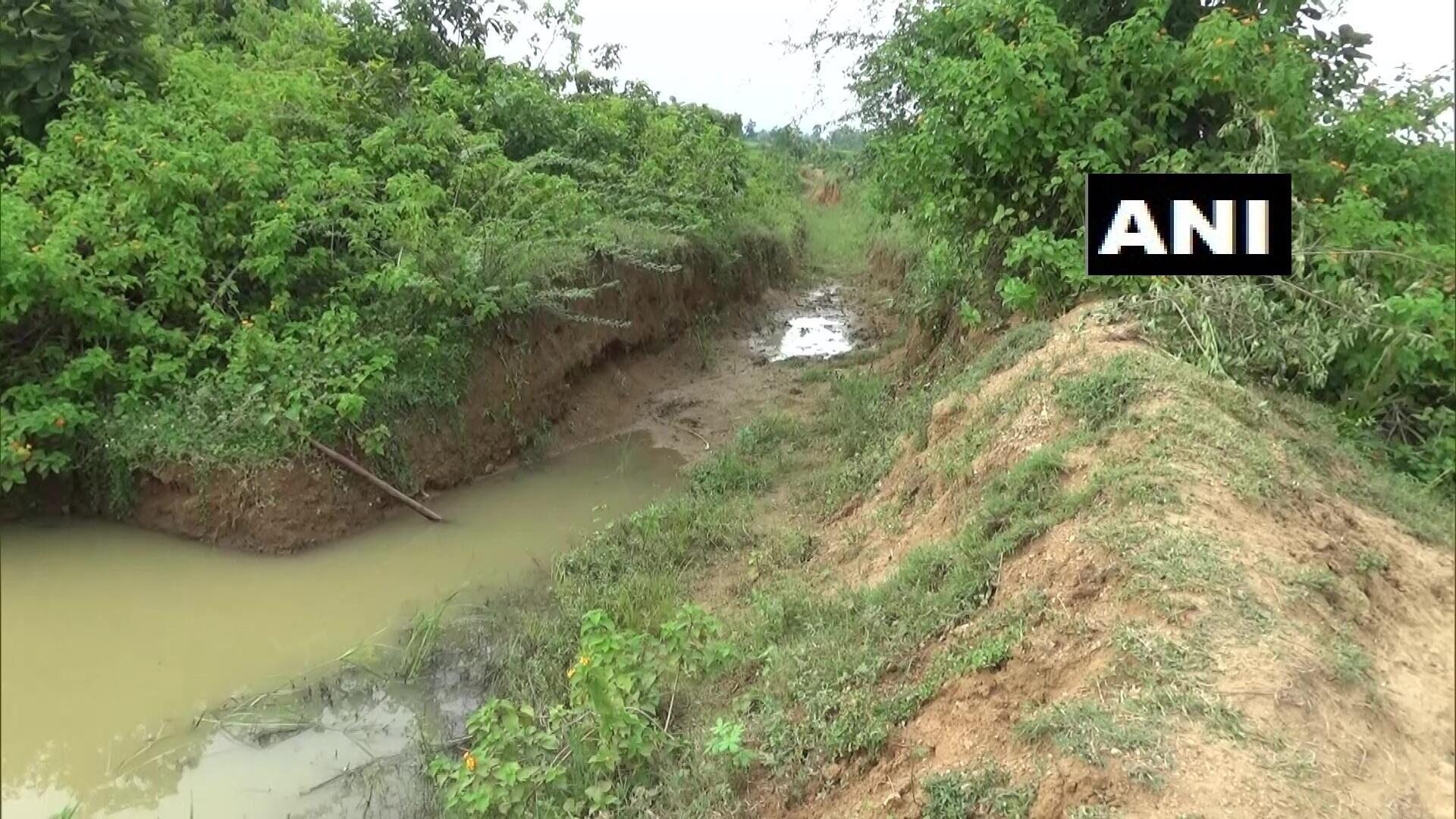 环球ug注册:惠及全村!印度男子花30年挖3公里长水渠,从山上引水到村里 第5张