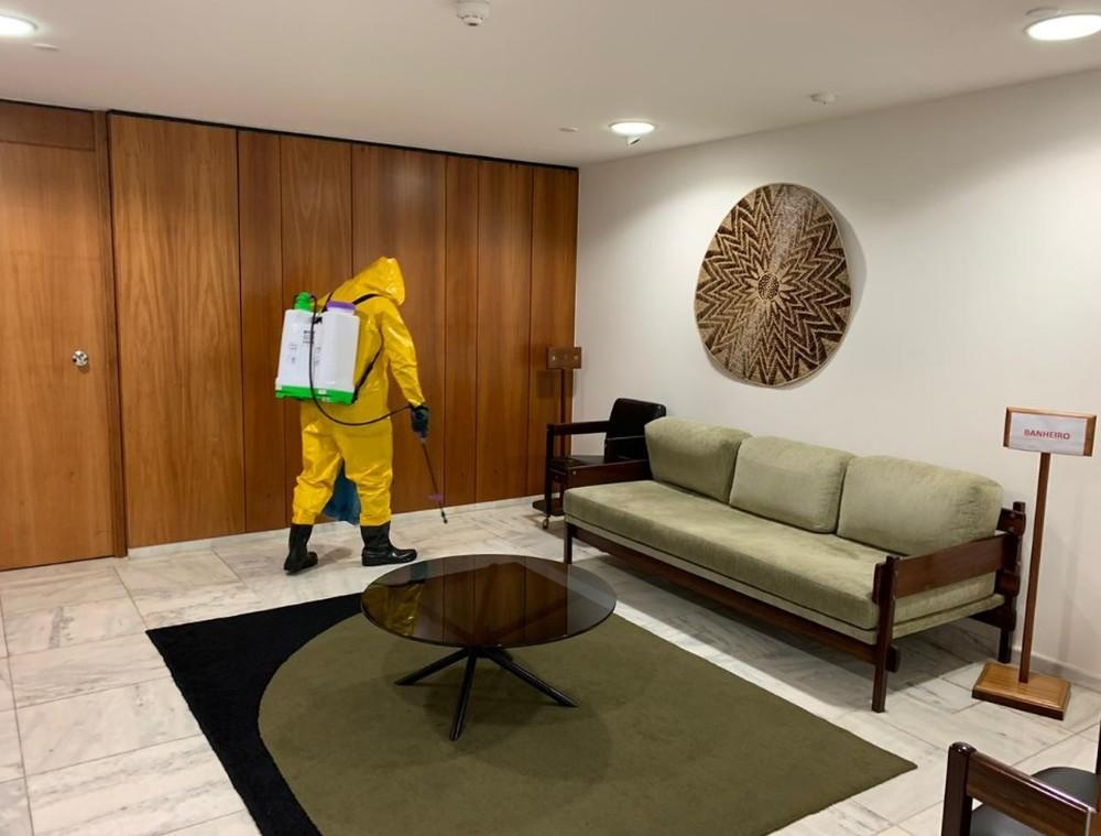 欧博亚洲手机版下载:巴西总统府百余名员工熏染新冠肺炎 第1张