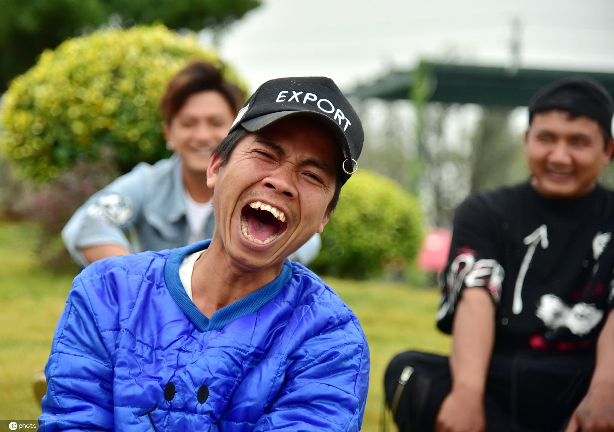 全国爱牙日来临你笑起来真好看笑吧,别捂嘴!