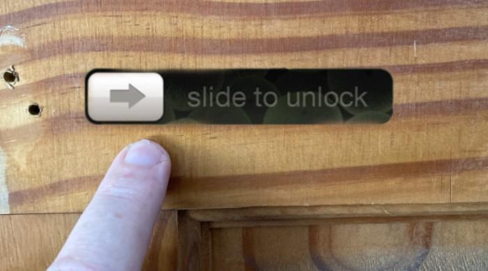 苹果提出一种利用苹果AR在除了用户之外的任何人看来都是空白屏幕的信息显示方式