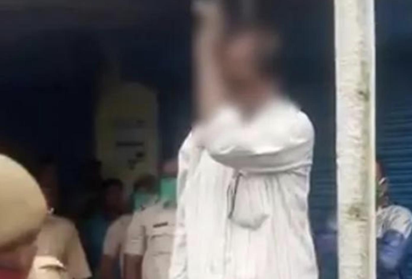 allbetgaming:印度爆陌头抗议:攻击公交车放话围堵该邦所有警局 第3张