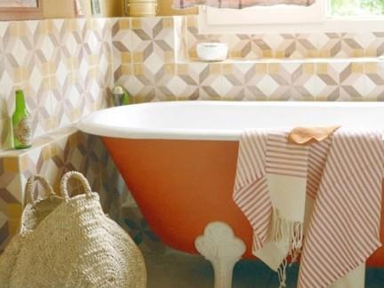 新研究:经常泡热水澡可以降低死于心血...