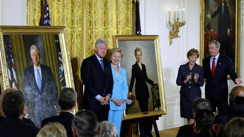 allbet手机版下载:克林顿和小布什画像被移出白宫大厅 由共和党总统画像取代