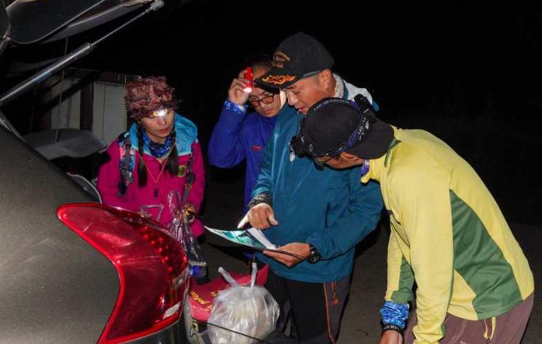 小伙独自徒步失联5天后,父亲一条朋友圈令人痛心!4000米悬崖搜救画面曝光