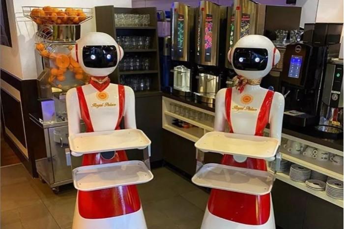 荷兰餐饮业重新开业中餐厅老板用机器人当传菜员