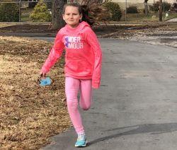 11岁女孩一学年跑了1100多华里 相当于26个全马