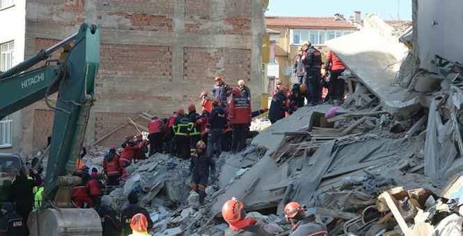 土耳其强震死亡人数升至38人 救援工作仍在进行