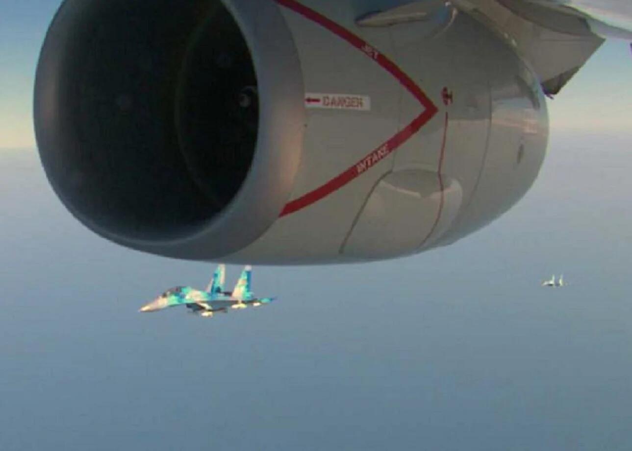 美军P-8A巡逻机再度闯入黑海 俄罗斯苏-27战斗机起飞拦截