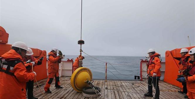 神州南极考察队在西风带布放2套浮标