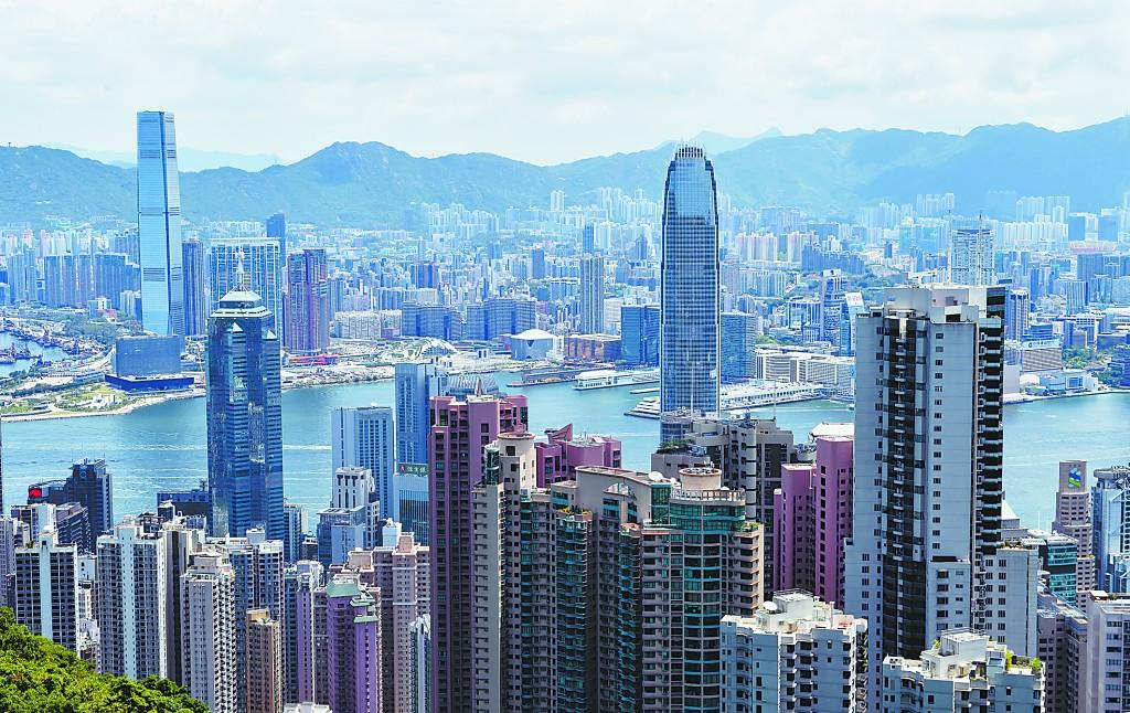 国安法落地,香港人盼经济回暖