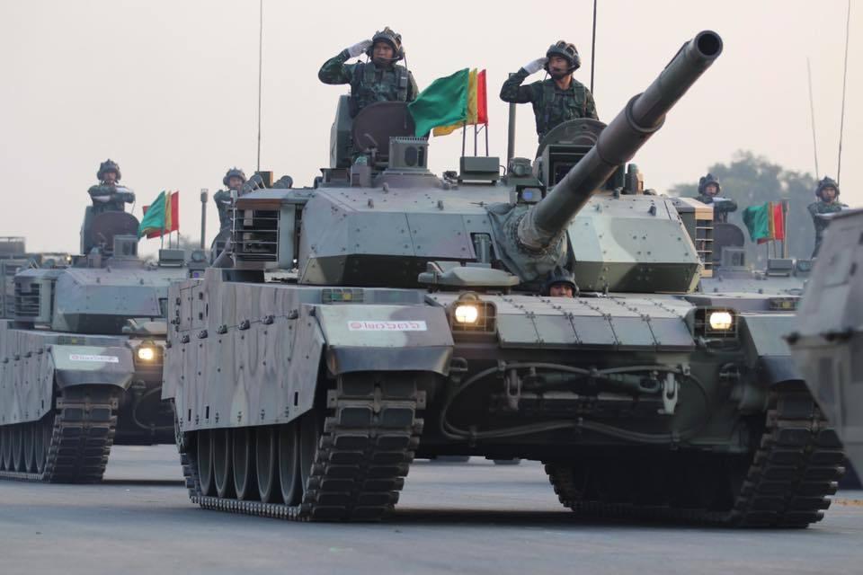 泰国阅兵式中美法乌战车全亮相VT4坦克压轴登场