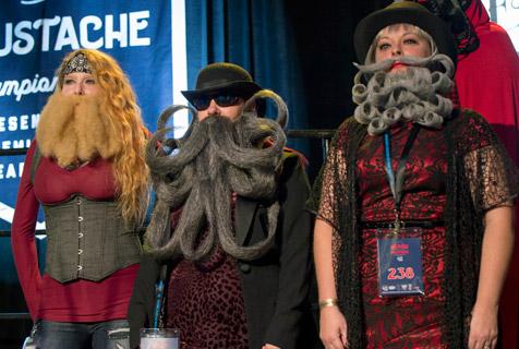 美国举办胡子大赛选手比谁的胡须更奇怪