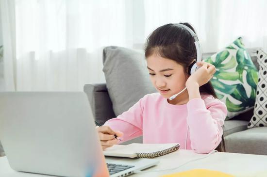 大中小学开学延期 学生在家功课不停