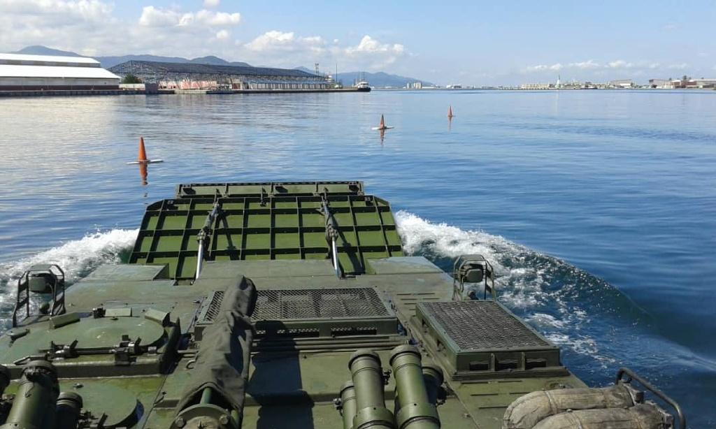委内瑞拉海军陆战队演练出动多款中国造两栖战车