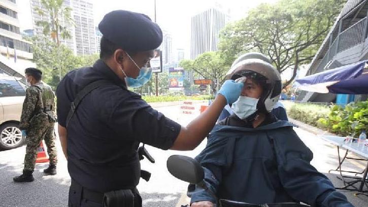 allbet登录官网:因违反防疫划定 马来西亚卫生部向原产业部长开罚单 第2张