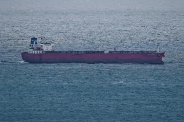 英吉利海域一油轮遭偷渡者劫持,英特种部队9分钟夺船拘留7人