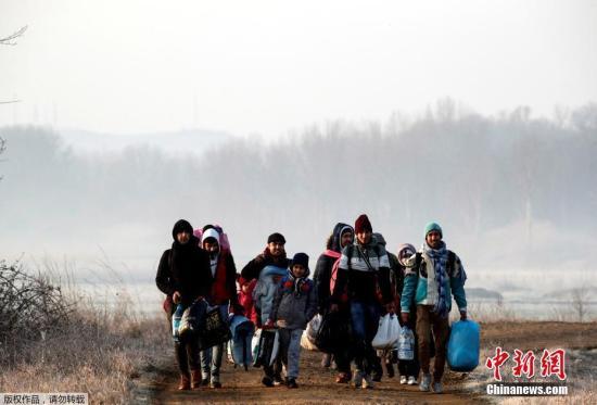 土耳其海岸警卫队禁止难民越过希腊海上边界