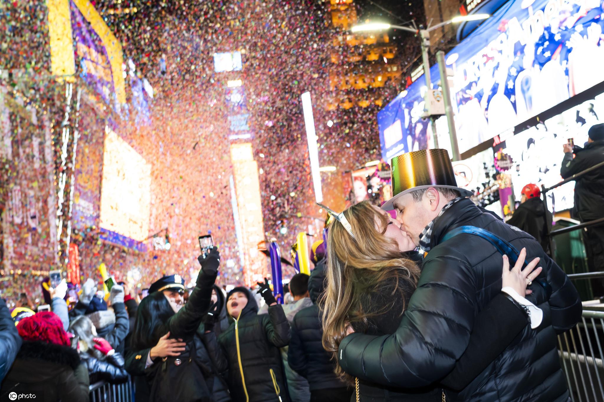 114年首次:美国纽约时代广场跨年流动改线上举行 第1张