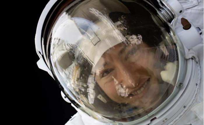 NASA女宇航员创下女性太空连续飞行最长纪录目前正在返回地球