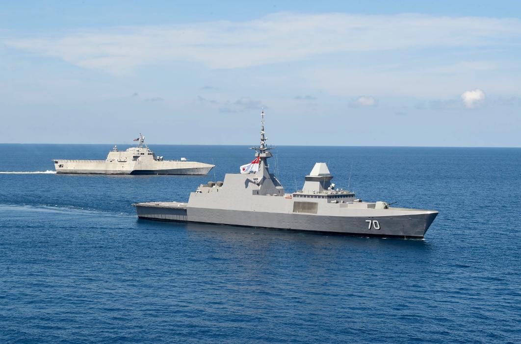 美军濒海战斗舰又来南海还带着新加坡隐形护卫舰一起演练
