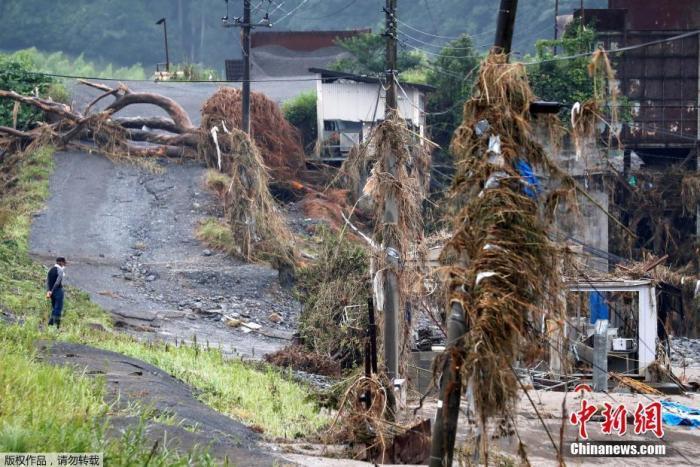 allbet登陆网址:日本暴雨已致72人殒命 安倍赴灾区视察 第1张